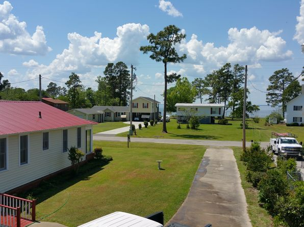 5 bed 3 bath Single Family at 318 Lake Moultrie Dr Bonneau, SC, 29431 is for sale at 218k - 1 of 10