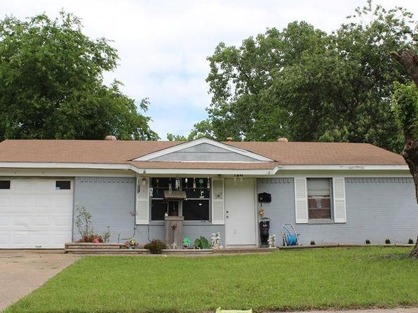 3 bed 1 bath Single Family at 126 E Cober Dr Grand Prairie, TX, 75051 is for sale at 85k - google static map