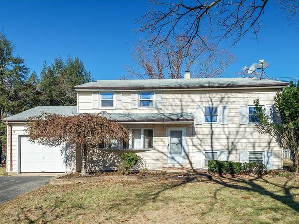 4 bed 3 bath Single Family at 4 Rivercrest Dr Piscataway, NJ, 08854 is for sale at 359k - 1 of 18