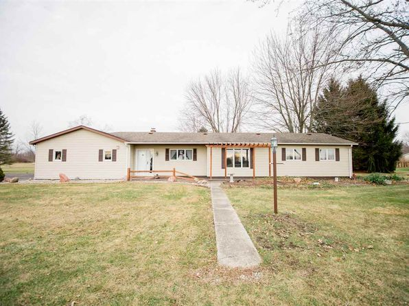 3 bed 2 bath Single Family at 3055 E Meadow Wood Ln Columbia City, IN, 46725 is for sale at 168k - 1 of 36