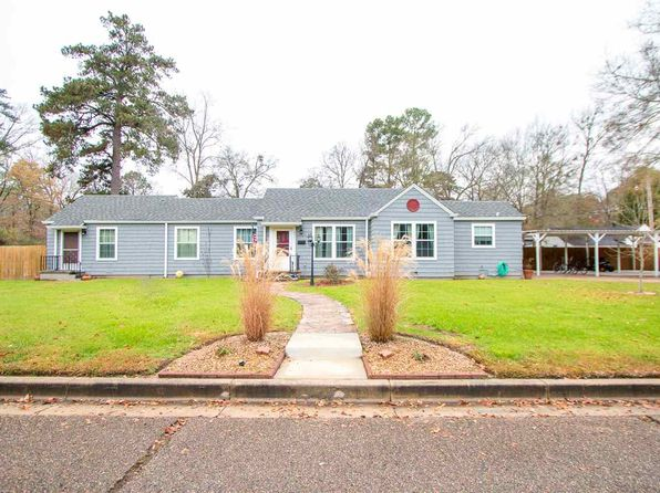 4 bed 2 bath Single Family at 2311 BROADWAY BLVD KILGORE, TX, 75662 is for sale at 180k - 1 of 24