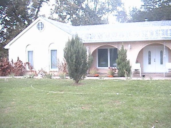 4 bed 3 bath Single Family at 533 County Highway 18 Xenia, IL, 62899 is for sale at 140k - 1 of 5
