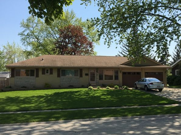3 bed 2 bath Single Family at 25 Flagstaff Ln Hoffman Estates, IL, 60169 is for sale at 270k - 1 of 16