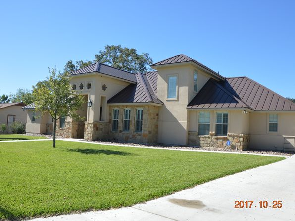 3 bed 4 bath Single Family at 1309 E ST FLORESVILLE, TX, 78114 is for sale at 383k - 1 of 20