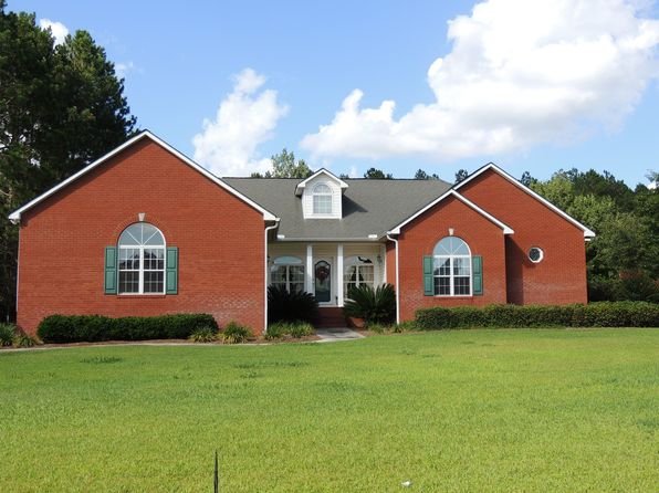 4 bed 3 bath Single Family at 228 Twin Lakes Dr Moultrie, GA, 31768 is for sale at 295k - 1 of 27