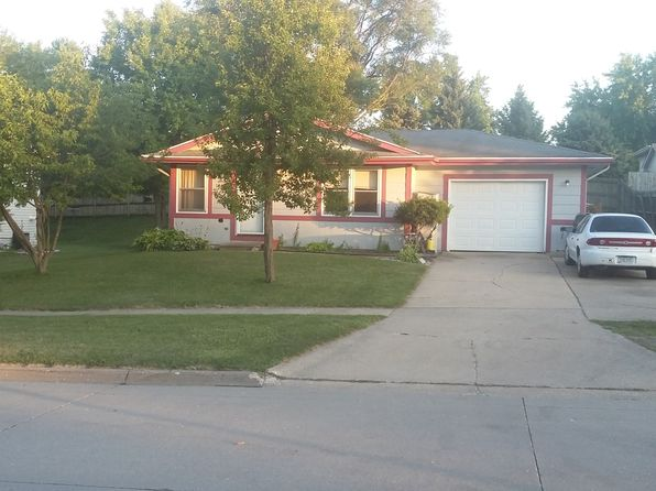 3 bed 1 bath Single Family at 1030 6th St NW Altoona, IA, 50009 is for sale at 135k - 1 of 9