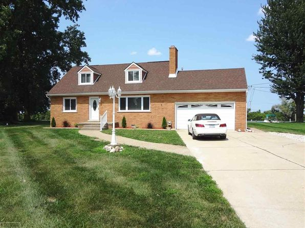 4 bed 2 bath Single Family at 28243 E Duluth St Harrison Township, MI, 48045 is for sale at 250k - 1 of 25