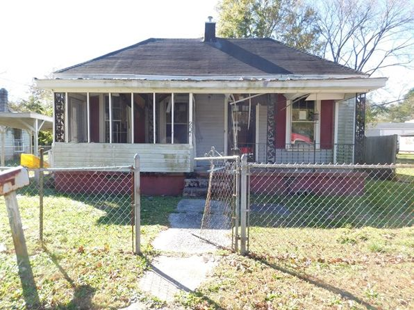 2 bed 1 bath Single Family at 207 W ALSOP ST ENFIELD, NC, 27823 is for sale at 9k - 1 of 14
