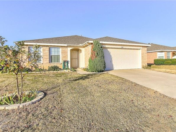 3 bed 2 bath Single Family at 1309 Wenatchee Dr Krum, TX, 76249 is for sale at 190k - 1 of 36