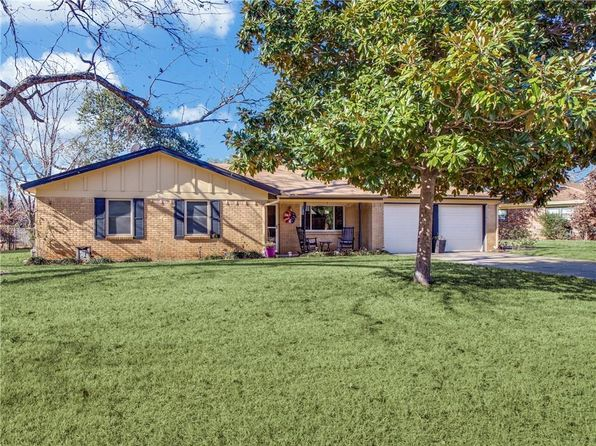 3 bed 2 bath Single Family at 221 Belmont St Hurst, TX, 76053 is for sale at 190k - 1 of 20
