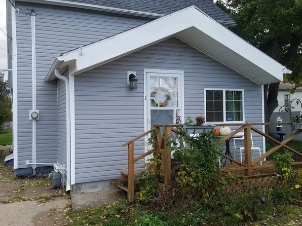 2 bed 1 bath Single Family at 409 S 17th St Council Bluffs, IA, 51501 is for sale at 75k - 1 of 3