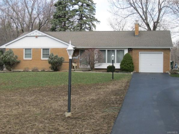 3 bed 2 bath Single Family at 4950 Clinton St West Seneca, NY, 14224 is for sale at 215k - 1 of 24