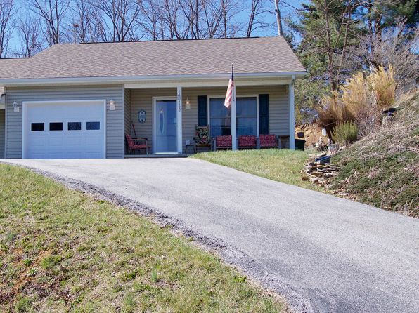 2 bed 2 bath Single Family at 1122 Glen Ct Christiansburg, VA, 24073 is for sale at 145k - 1 of 21