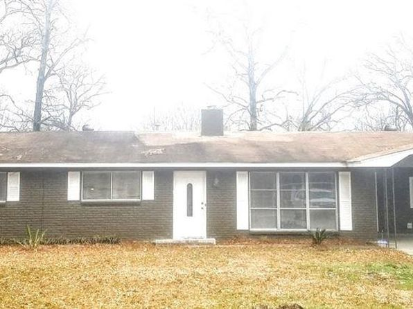 3 bed 2 bath Single Family at 17 Camellia Dr Monroe, LA, 71203 is for sale at 130k - 1 of 34