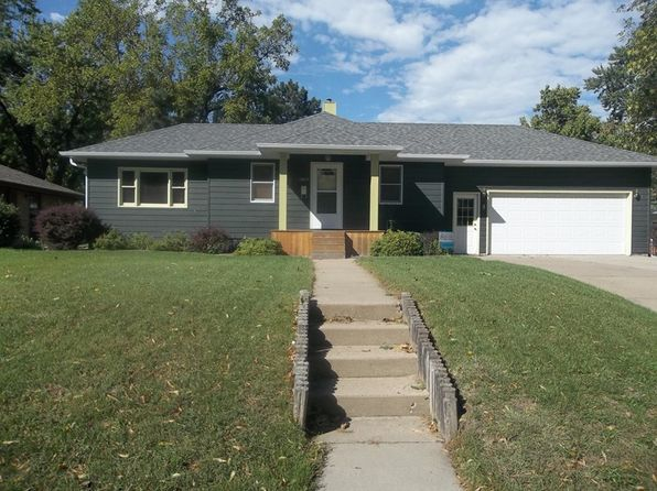 3 bed 2 bath Single Family at 1805 WALNUT ST YANKTON, SD, 57078 is for sale at 170k - 1 of 16