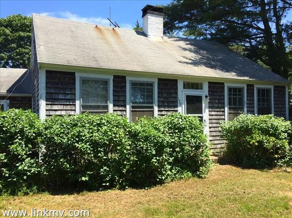 3 bed 1 bath Single Family at 179 A Edgartown/Vineyard Haven Rd Oak Bluffs, MA, 02557 is for sale at 420k - 1 of 9