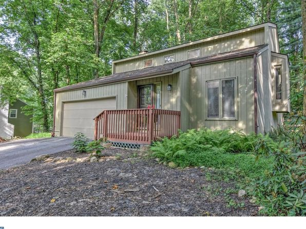 3 bed 3 bath Single Family at 388 Brookwood Dr Downingtown, PA, 19335 is for sale at 319k - 1 of 18