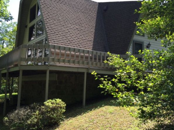 2 bed 3.5 bath Single Family at 159 STEELEBURN HTS PIKEVILLE, KY, 41501 is for sale at 400k - 1 of 34