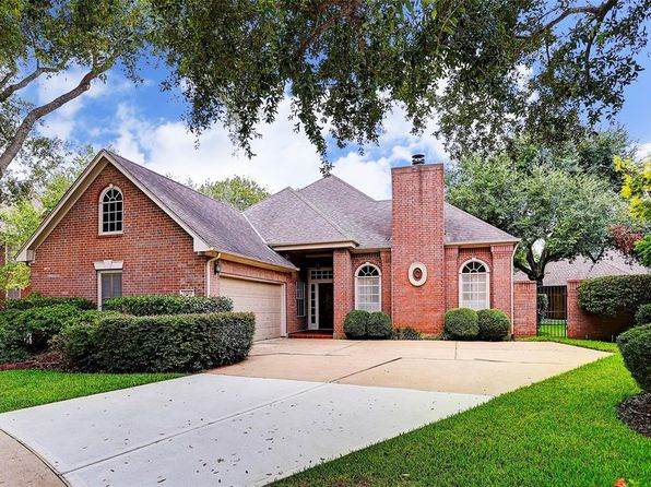 2 bed 3 bath Single Family at 13814 Senca Park Dr Houston, TX, 77077 is for sale at 350k - 1 of 16