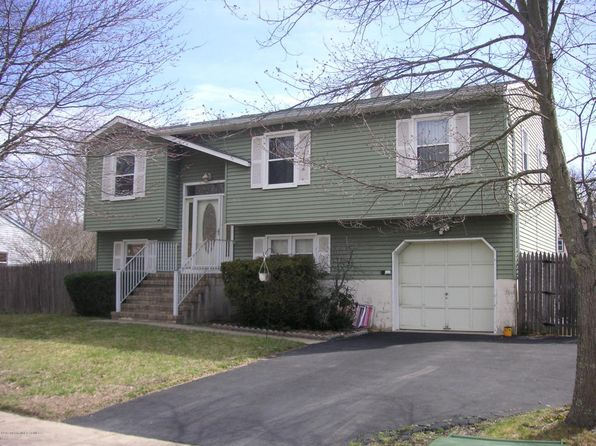 4 bed 3 bath Single Family at 923 Morris Ave Lakewood, NJ, 08701 is for sale at 399k - 1 of 2