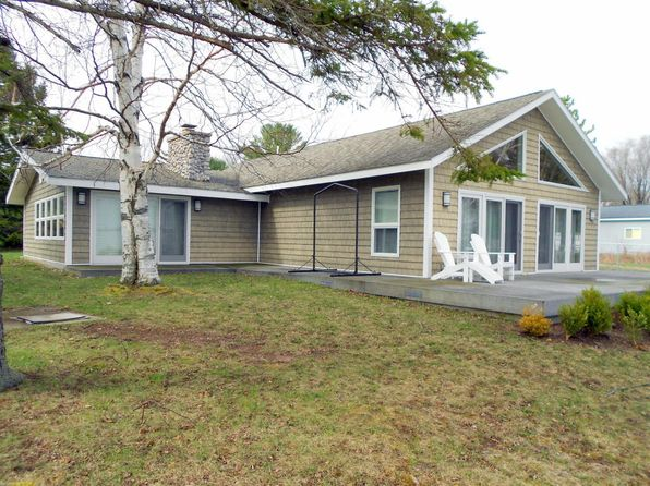 3 bed 2 bath Single Family at 781 Parrotts Pointe Rd Indian River, MI, 49749 is for sale at 490k - 1 of 19
