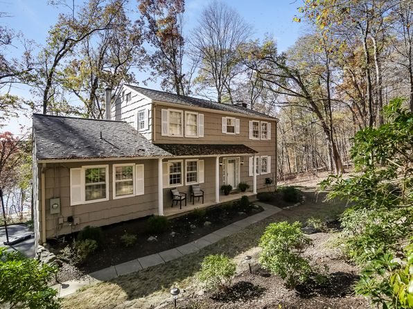 3 bed 3 bath Single Family at 21 Pierrepont Dr Ridgefield, CT, 06877 is for sale at 549k - 1 of 39