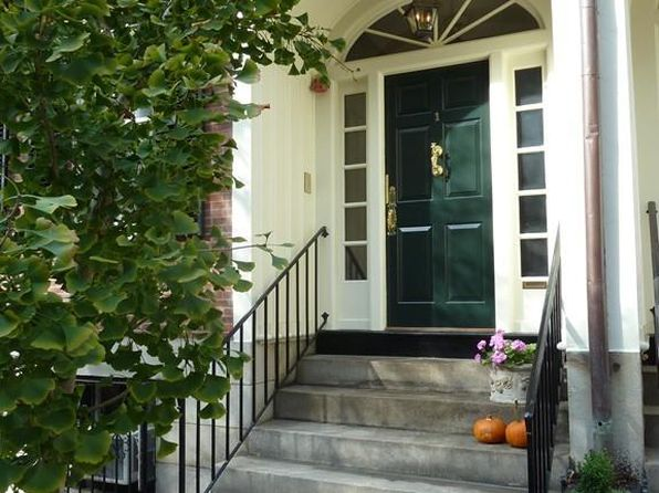 1 bed 1 bath Condo at  1 Chestnut St. Boston, MA, 02108 is for sale at 955k - 1 of 9
