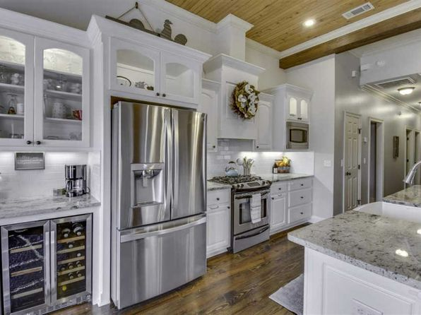 4 bed 3.5 bath Single Family at 163 Bear Creek Cir Canton, MS, 39046 is for sale at 305k - 1 of 47