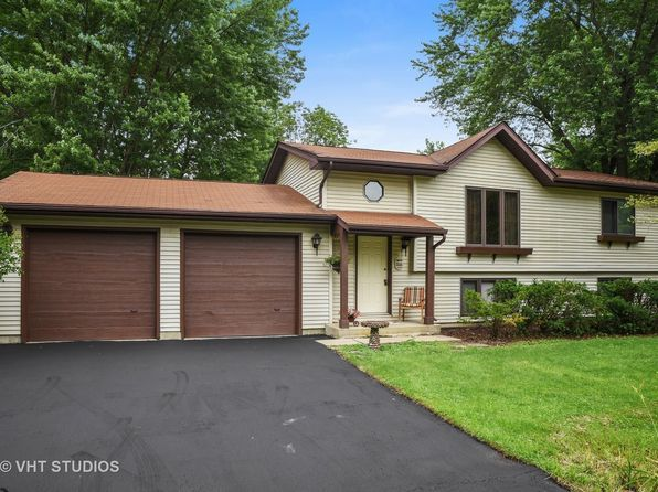 4 bed 2 bath Single Family at 208 Venice Rd Lakemoor, IL, 60051 is for sale at 175k - 1 of 17