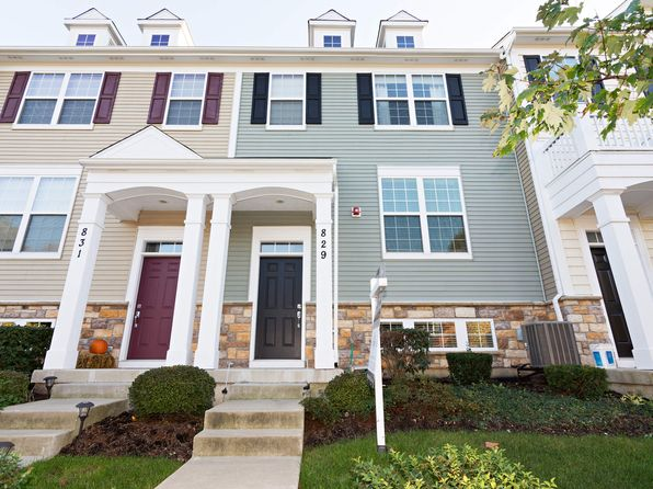 2 bed 3 bath Townhouse at 829 E Hamlin Ln Arlington Heights, IL, 60004 is for sale at 346k - 1 of 13