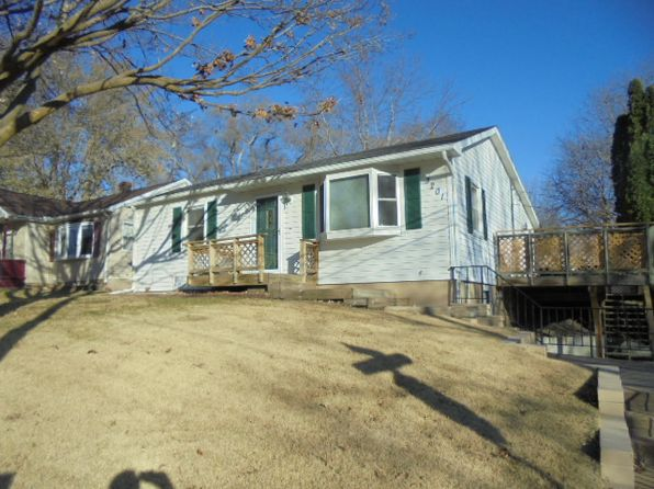 2 bed 2 bath Single Family at 3201 N 3rd St Clinton, IA, 52732 is for sale at 90k - 1 of 17