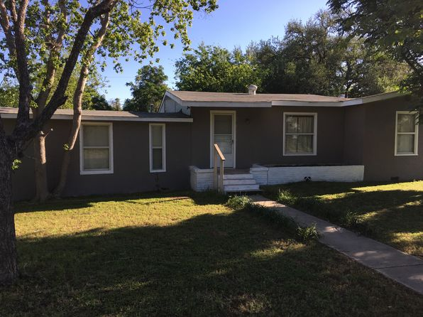 4 bed 2 bath Single Family at 402 Hermitage Loop Devine, TX, 78016 is for sale at 150k - 1 of 24