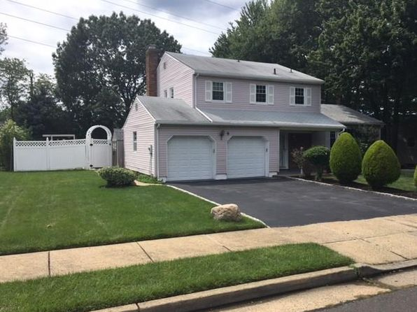 3 bed 3 bath Single Family at 9 Roxy Ave Edison, NJ, 08820 is for sale at 550k - 1 of 24