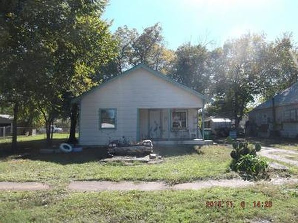 3 bed 1 bath Single Family at 212 E Washington St Walters, OK, 73572 is for sale at 17k - 1 of 5