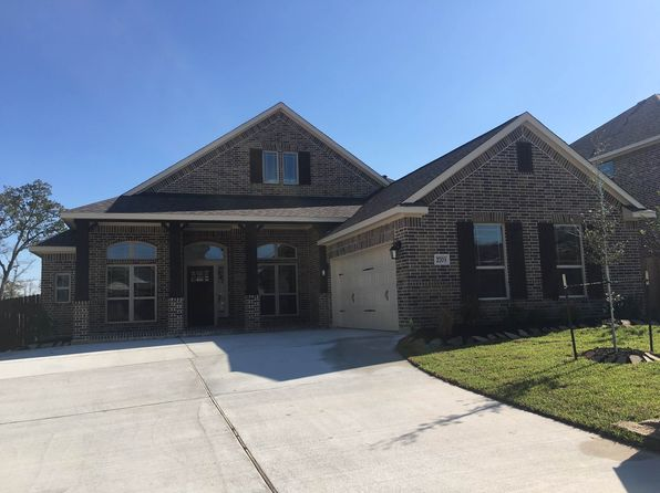 5 bed 3 bath Single Family at 2703 Wolveshire Ln College Station, TX, 77845 is for sale at 372k - 1 of 2