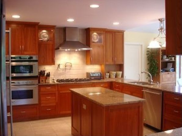 3 bed 3 bath Single Family at 128 Potato Field Ln Southampton, NY, 11968 is for sale at 1.63m - 1 of 13