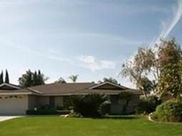 3 bed 2 bath Single Family at 3616 La Costa St Bakersfield, CA, 93306 is for sale at 265k - 1 of 12