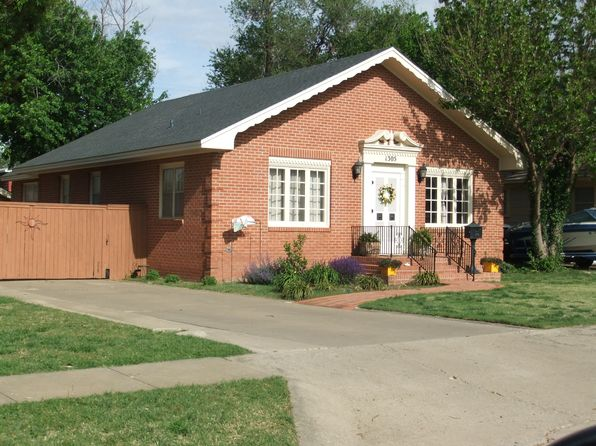 2 bed 2 bath Single Family at 1305 Charles St Pampa, TX, 79065 is for sale at 105k - 1 of 16