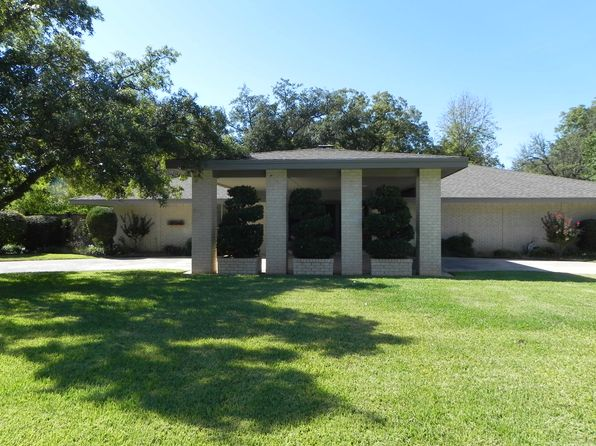 3 bed 3 bath Single Family at 803 Brook Hollow St Brownwood, TX, 76801 is for sale at 199k - 1 of 24