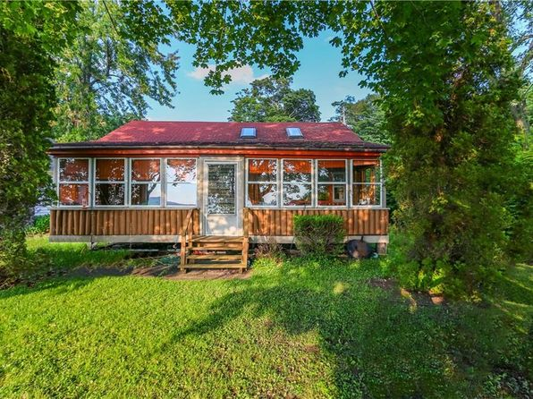 4 bed 2 bath Single Family at 167 FIVE MILE PT SKANEATELES, NY, 13152 is for sale at 499k - 1 of 13