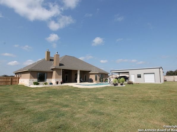 4 bed 3 bath Single Family at 105 Caylea Dr Floresville, TX, 78114 is for sale at 460k - 1 of 25