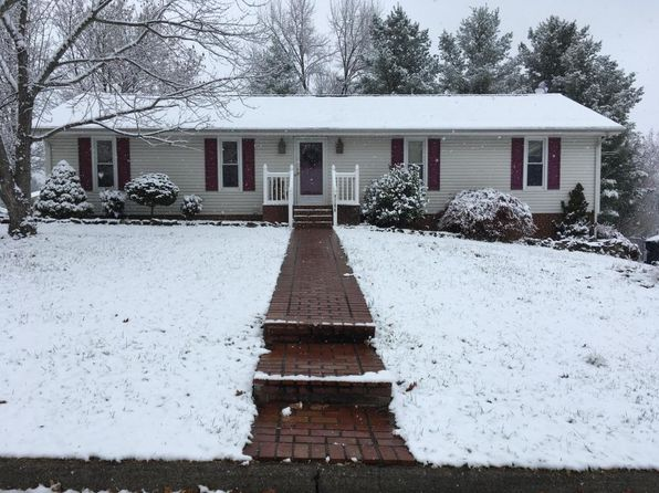 3 bed 3 bath Single Family at 7106 Crosstimbers Trl Roanoke, VA, 24019 is for sale at 200k - 1 of 19