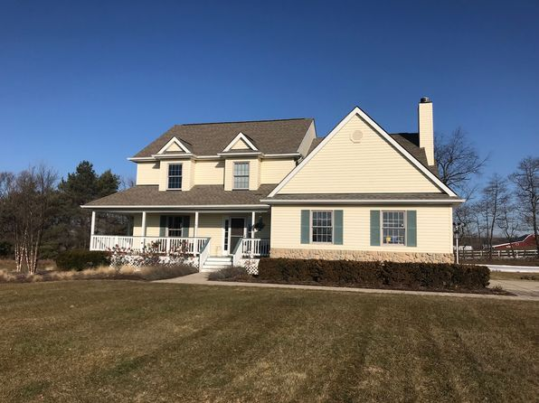 4 bed 4 bath Single Family at 4685 Melanie Ln White Lake, MI, 48383 is for sale at 325k - 1 of 22