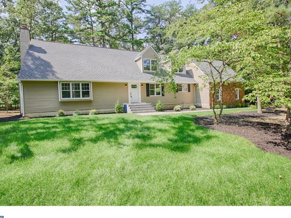 5 bed 3 bath Single Family at 13 Shannon Ct Medford, NJ, 08055 is for sale at 400k - 1 of 25