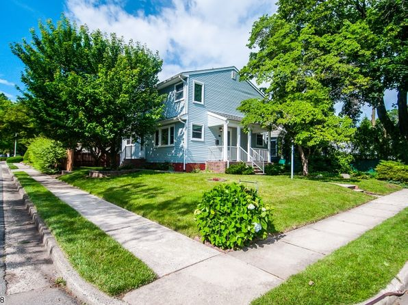 4 bed 2 bath Single Family at 10 Tulsa Ave Metuchen, NJ, 08840 is for sale at 440k - 1 of 25