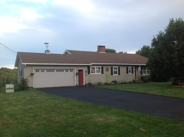 3 bed 3 bath Single Family at 40 Ridgeview Dr Thomaston, ME, 04861 is for sale at 262k - 1 of 28