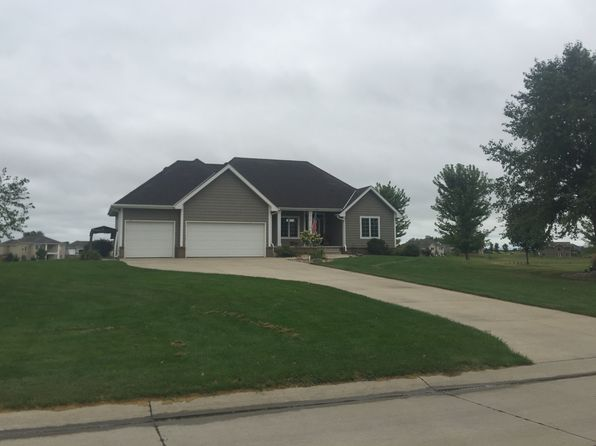 4 bed 3 bath Single Family at 813 Brookside Dr Jefferson, SD, 57038 is for sale at 400k - 1 of 29
