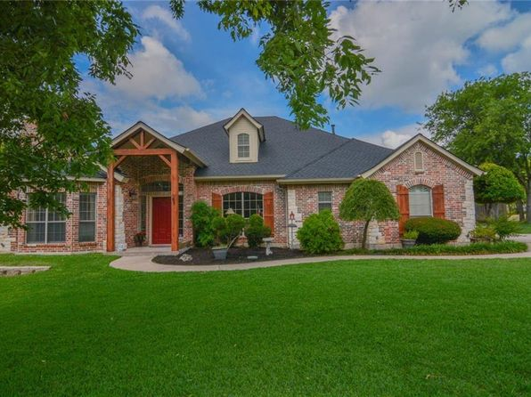 3 bed 3 bath Single Family at 320 Robin Rd Cedar Hill, TX, 75104 is for sale at 414k - 1 of 36