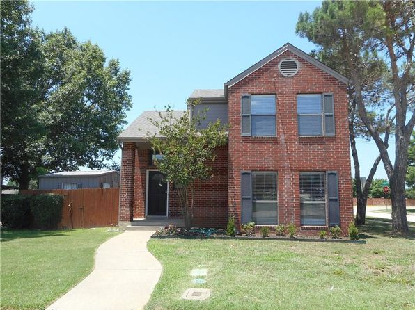 3 bed 2 bath Single Family at 2042 Pheasant Dr Lewisville, TX, 75077 is for sale at 158k - 1 of 6