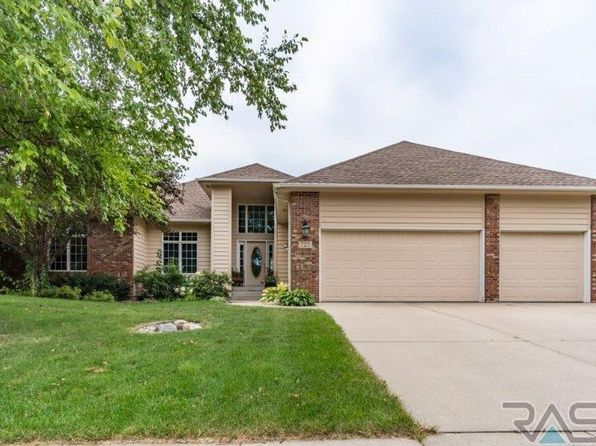 4 bed 3 bath Single Family at 727 E Inverness Dr Sioux Falls, SD, 57108 is for sale at 509k - 1 of 36